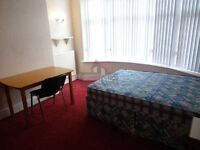 stunning 5 bedroom property available for students only!