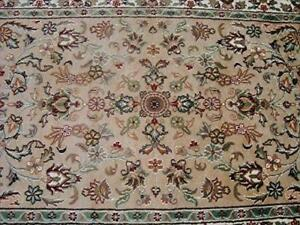 Amazing Medallion Designed Ivory Beige Rectangle Area Rug Wool Silk Hand Knotted Carpet (6 X 4)'