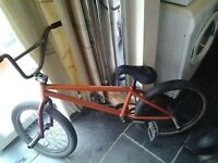 got 2 bikes for sale but the main one if this one, looking for roughly £100