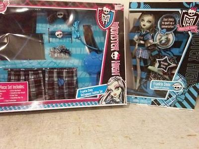Monster High Frankie Stein Doll & Fashion Accessory Set for Dress Up Costume