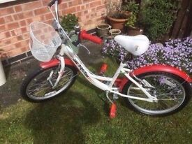 girls bikes one direction ones small and larger one got little boys bike too 16in wheels