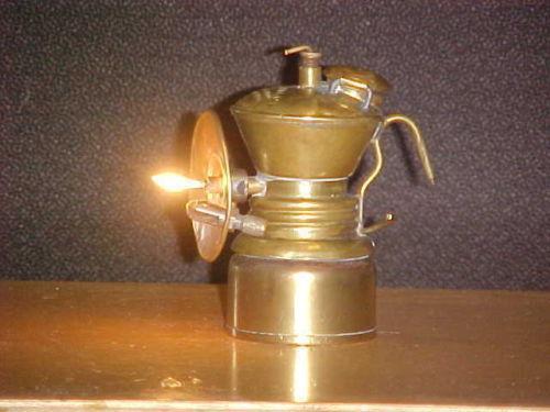 Карбидная лампа своими рукам