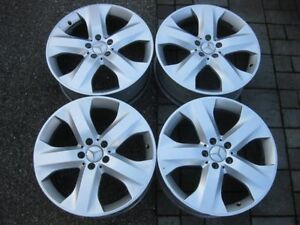 "set of Genuine Mercedes Benz ML 350 19"" rims in good condition"