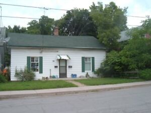 3 Room Bachelor Apt In Bungalow INCLUSIVE $750