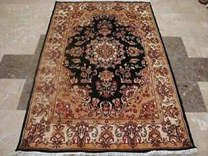 Wow Exclusive Exotic Black Amazed Rectangle Area Rug Hand Knotted Wool Silk Carpet (6 X 4)'