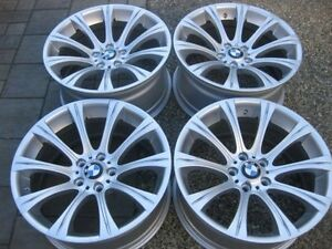 WOW - Rare Set of Staggered Genuine BMW M5 19 INCH Rims flawless