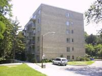 Huge 1 bedroom apartment Bathurst/St. Clair Station 67,35 m/sq