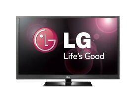 """LG LCD TV 42"""" Great Picture Freeview HD ready With Remote and stand"""