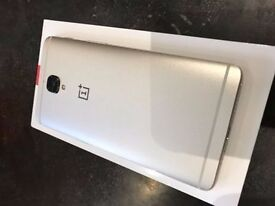 OnePlus 3T 64gb in Gold Unlocked mint condition with brand new fuse case one plus 3t