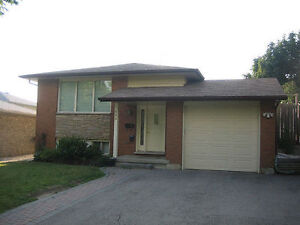 * Large Bright Bedroom in Shared House -- Close to UW, Laurier *