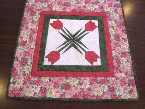Quilted table topper ebay for Round table runner quilt pattern