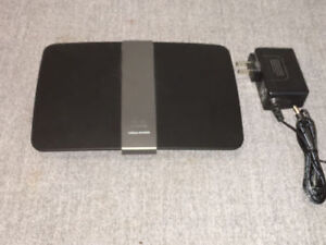 Cisco LINKSYS EA4500 N900 Dual Band SMART WiFi Router