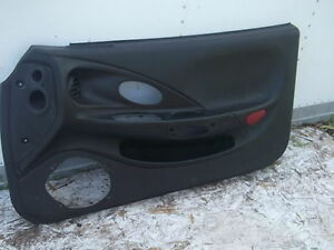 2000 2001 HYUNDAI TIBURON RIGHT PASSENGER SIDE DOOR PANEL BLACK Cornwall Ontario image 1