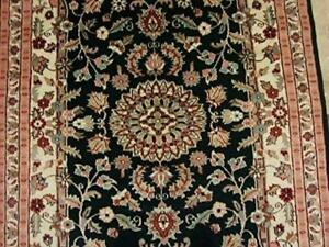 Mid Night Black Ivory Touch Flowers Rectangle Area Rug Hand Knotted Wool Silk Carpet (6 X 4)'