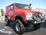 Land Rover Defender 90 Red