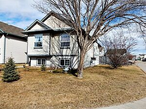 OPEN HOUSE in Country Side South!  May 31 from 2pm - 8pm!