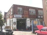 Live work unit available, 2rooms open area and mezzanine in 945 sq ft 1st floor in warehouse in N15