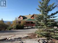 Log Home with View - in Penticton