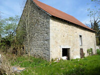 Detached barn 9.5 m x 13 m to convert on a 1000m² plot in Creuse region of France near to Aubusson.