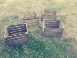4 x VINTAGE WOODEN APPLE CRATES STORAGE BOX FRUIT CRATES BOX
