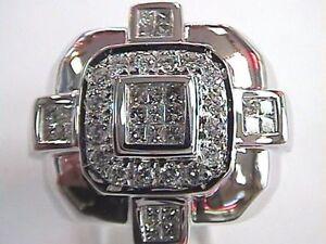 Une Bague pour homme 14k Or blanc 41 diamants Évaluation a $5200