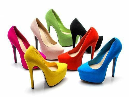 Many different colours of high heels