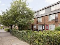 Spacious Split Level 4 Bedroom House Located Close to Kings Cross and Caledonian Road Stations.
