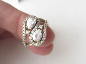 Beautiful 925 Sterling Silver White Topaz Ring Sz 8 Cambridge Kitchener Area image 3