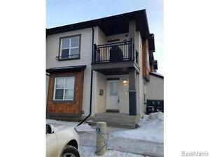 Beautiful 2 Bedroom Condo with Basement for Rent!
