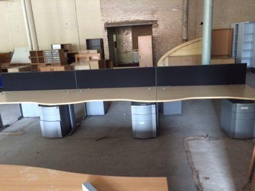 Pod set of 6 waves front desks