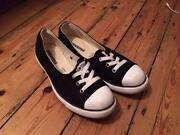 Womens Converse Size 6