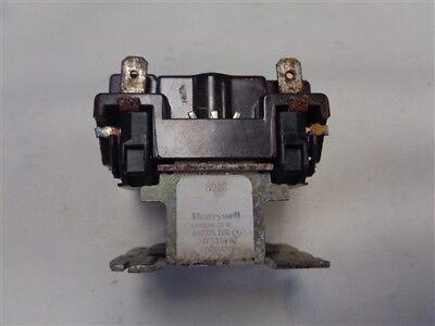 Honeywell R8222a 1101 Relay 24 Volt 5060 Hertz
