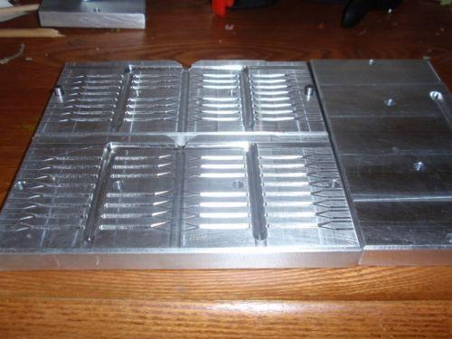 Soft plastic aluminum molds ebay for Plastic fishing lure molds