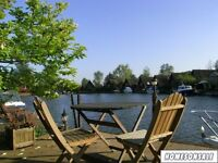 Lakeside house in a beautiful peaceful private location - Free mooring and fishing!
