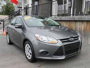 2014 Ford Focus SE / 2.0L I4 / Auto / FWD **Affordable**