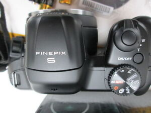 FinePix S8600 16MP Digital Camera 36X Zoom