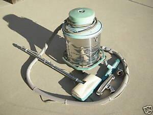 Commercial Electrolux vacuum cleaner need not be working Regina Regina Area image 3
