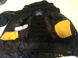 Womens' Karbon Snowboard/ Ski Suit Size 12 - ( Used )