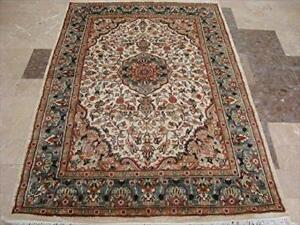Gultarash Ivory Medallion Touch Flowers Hand Knotted Rug Wool Silk Carpet (6 x 4)'