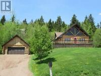 Beautiful Executive log home/double garage