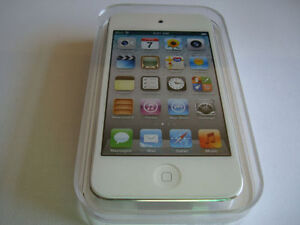 iPOD touch 4th gen with camera 32GB WHITE NEW