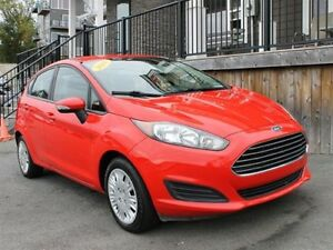 2014 Ford Fiesta SE / 1.6L I4 / Auto / FWD **Fun Commuter!**