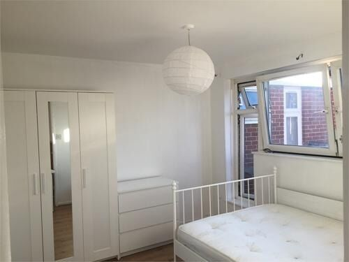 Beautiful double room to rent in Oban Street, E14