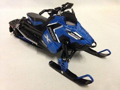 "Polaris Switchback PRO-X 800 Snowmobiles 1:16 Scale 7.5"" Diecas New Ray Toy Blue"