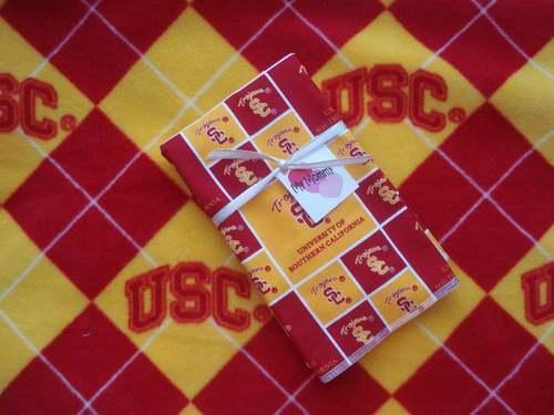 USC TROJANS NCAA BOY GIRL BURP & FLEECE BLANKET