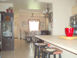 NEW PRICE Incredible location Easy to LU, Hospital & Intercity