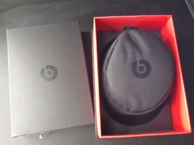 Beats by Dr. Dre Solo3 Wireless Over the Ear Headphones Matte Black Bluetooth
