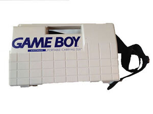 Game Boy w/ 2 game paks & carry all London Ontario image 4