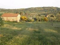 4 acres of land + Granite Barn in a stunning location in Central Portugal