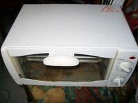 Cookworks Oven model MG10CA